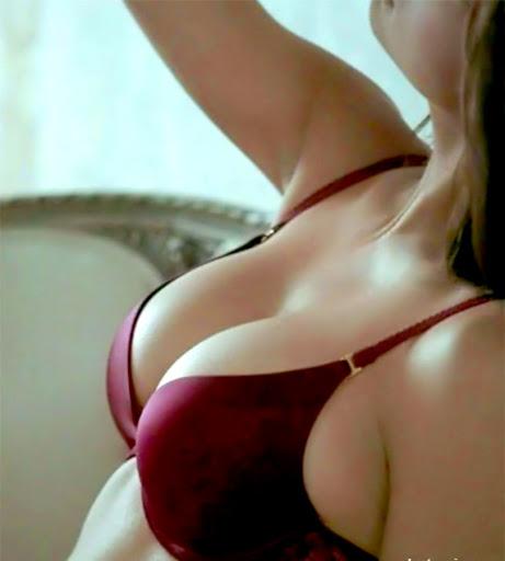 Bác sĩ thực hiện nâng ngực tay nghề cao sẽ không làm mất cảm giác nơi đầu ngực