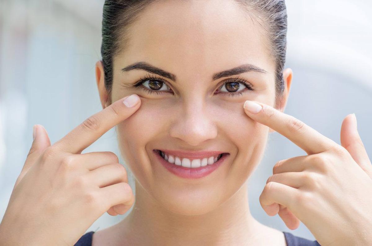 Bóc mỡ mí mắt là 1 tiểu phẫu nhỏ trong thẩm mỹ mắt