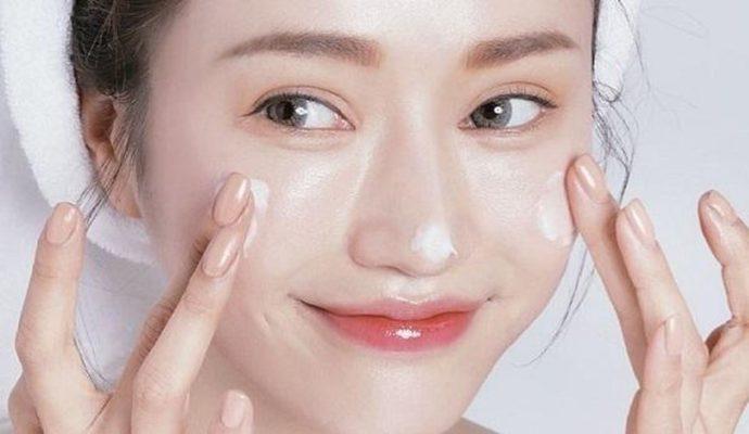Sữa rửa mặt giúp dưỡng ẩm cho da