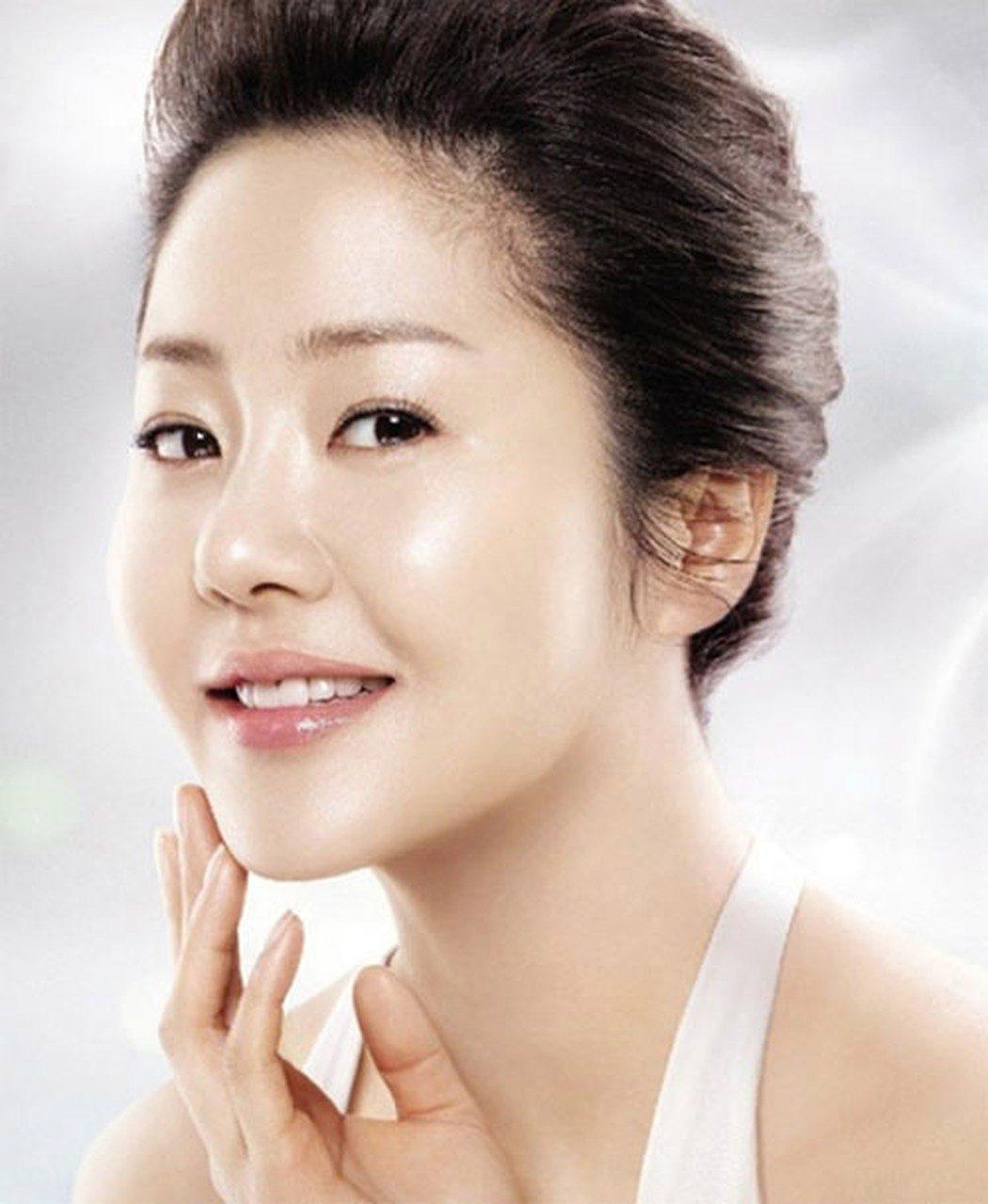Cấy mỡ mặt giúp trẻ hóa gương mặt toàn diện