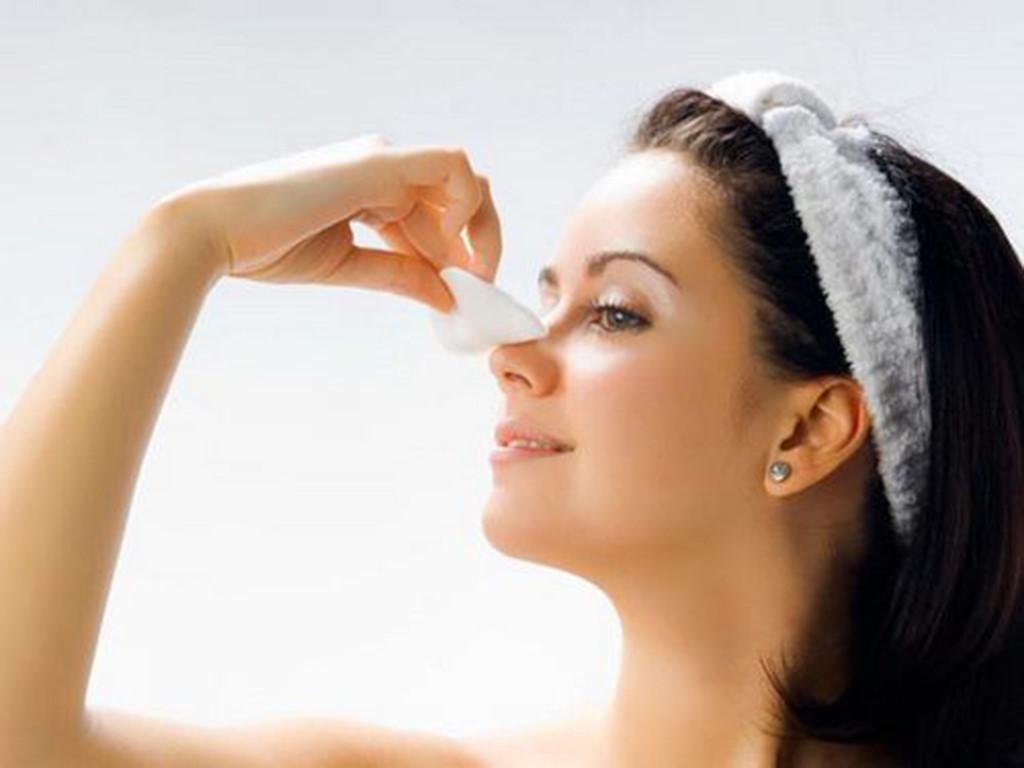 Chăm sóc hậu phẫu đúng cách giúp mũi chóng bình phục
