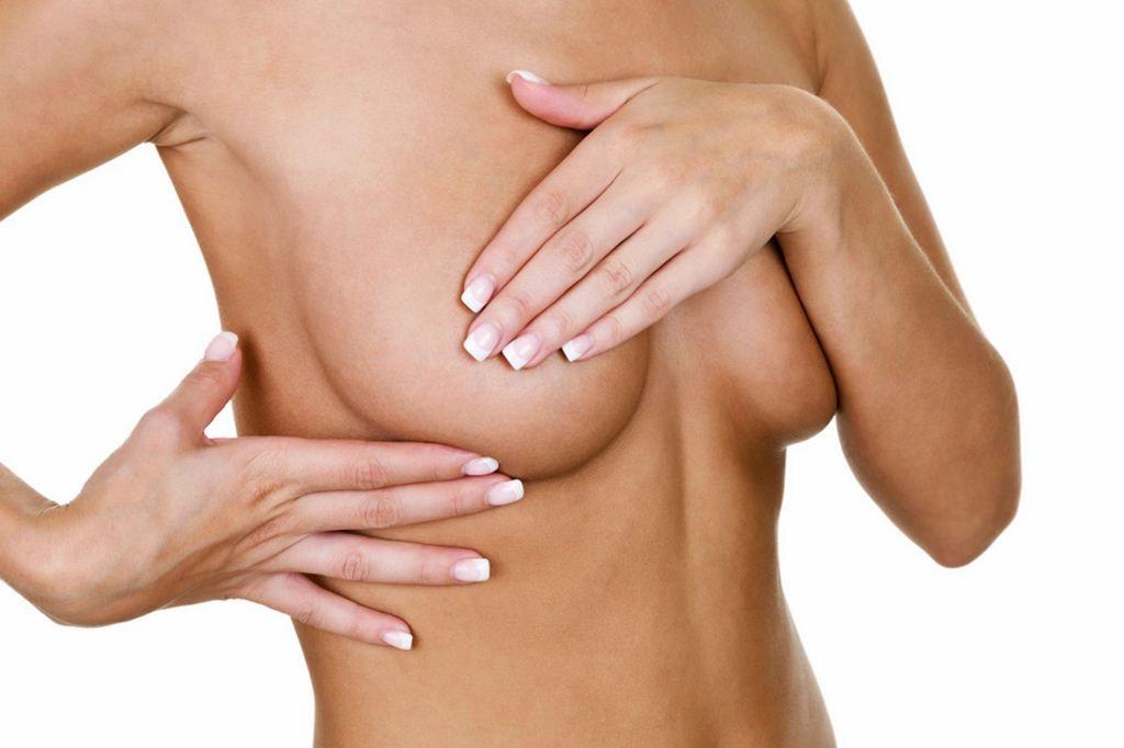 Ngực túi giọt nước có thể bị chảy xệ theo sự lão hóa của cơ thể