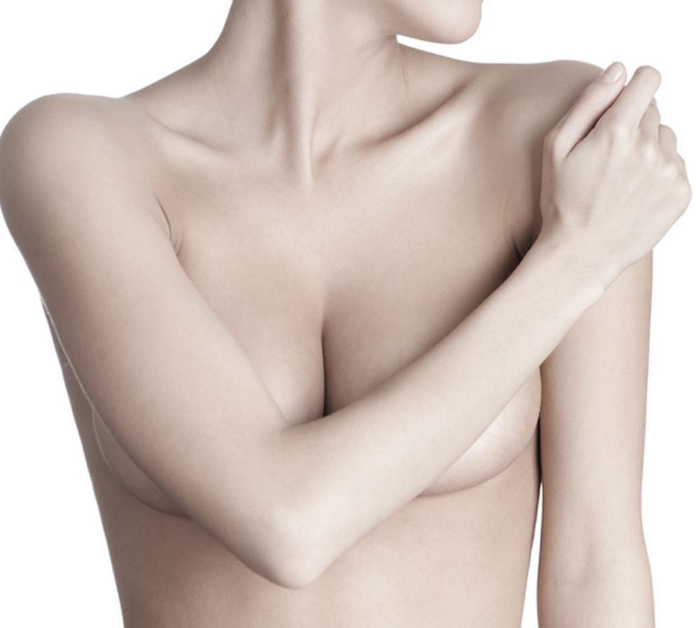 Tác hại của nâng ngực thường xuất phát từ việc lựa chọn sai cơ sở thực hiện