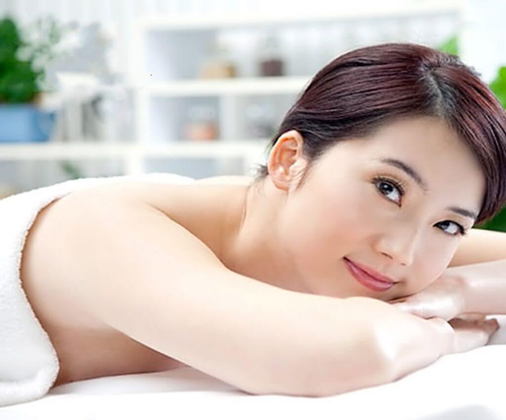 Tắm trắng là loại bỏ các tế bào chết, các hắc tố melanin