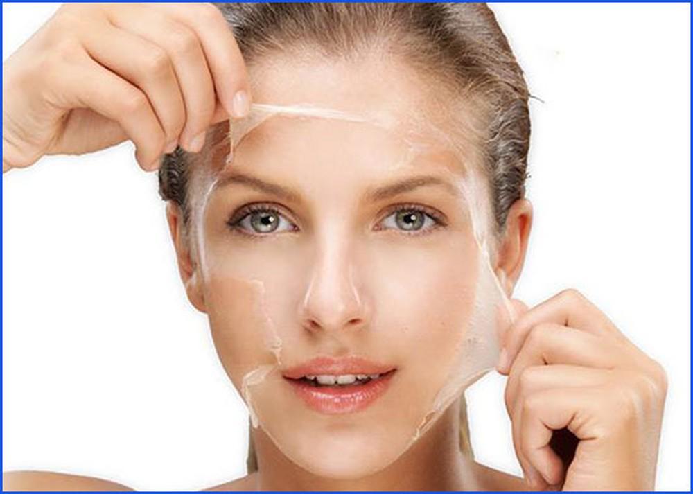 Tẩy da chết giúp lấy đi lớp tế bào chết trên da, tái tạo làn da mới trắng sáng hơn
