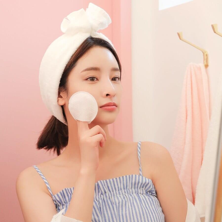 Toner giúp cân bằng da, một lần nữa làm sạch sâu cho làn da