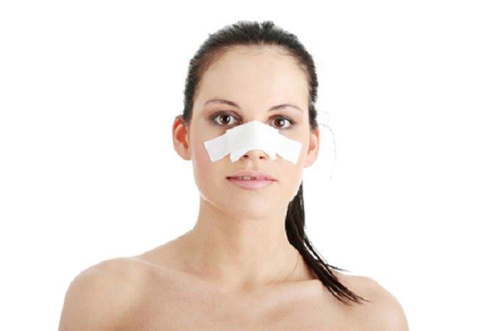 Chăm sóc hậu phẫu nâng mũi kỹ lưỡng để đảm bảo kết quả thẩm mỹ tốt nhất