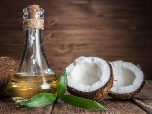Dùng dầu dừa để cải thiện tình trạng rạn da nam giới