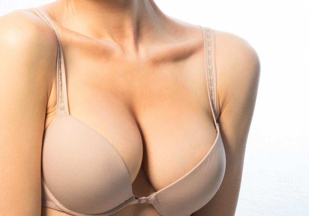 Thẩm mỹ viện Venus là địa chỉ thực hiện dịch vụ treo ngực uy tín và an toàn