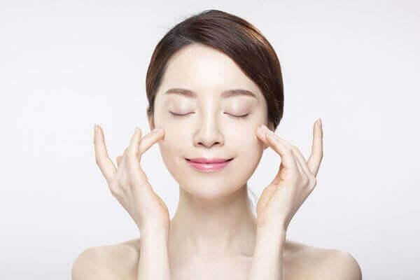 Chăm sóc và nghỉ dưỡng đúng chỉ dẫn sau khi thực hiện phẫu thuật căng da mặt
