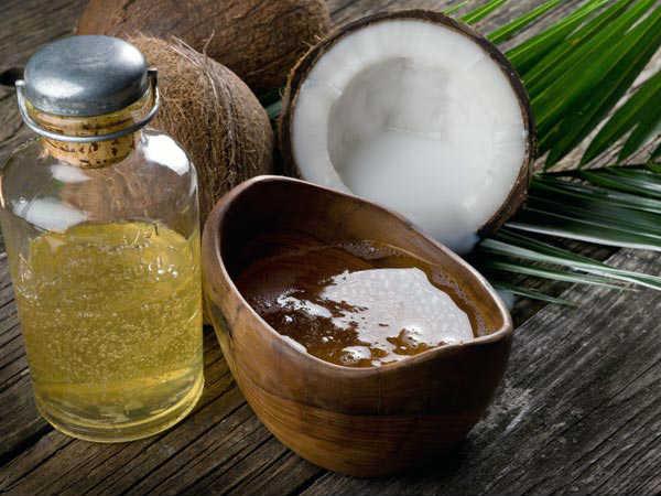 Kết hợp dầu dừa và dầu hạnh nhân là phương pháp trị rạn da an toàn