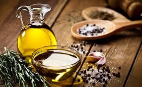 Dầu oliu giúp cơ thể duy trì cảm giác no, giảm nồng độ chất béo trung tính