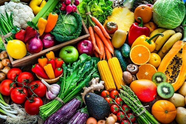 Ăn sáng giảm mỡ bụng với hoa quả và rau nhiều vitamin, chất xơ
