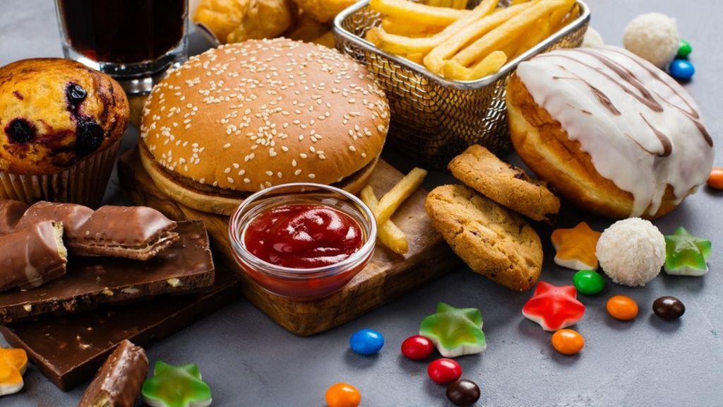 Những thực phẩm chế biến sẵn, đồ ăn nhiều đường không nên ăn