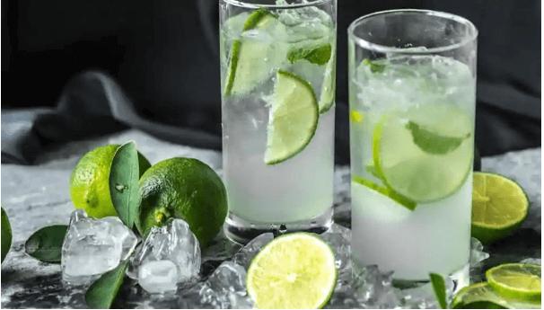 Uống nước chanh tươi pha loãng để giảm mỡ bụng