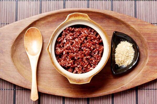Cách giảm mỡ bụng bằng muối mè gạo lứt