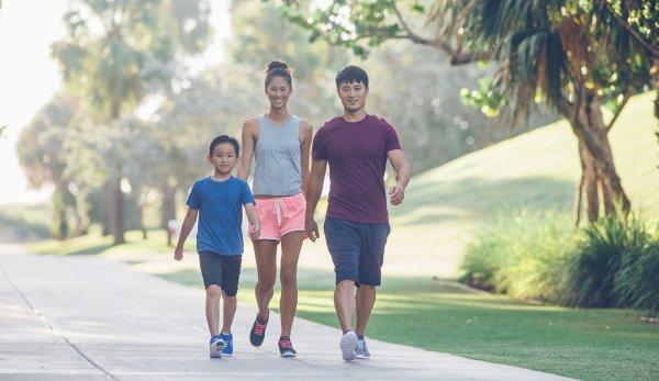Buổi sáng thích hợp để đi bộ giảm béo bụng