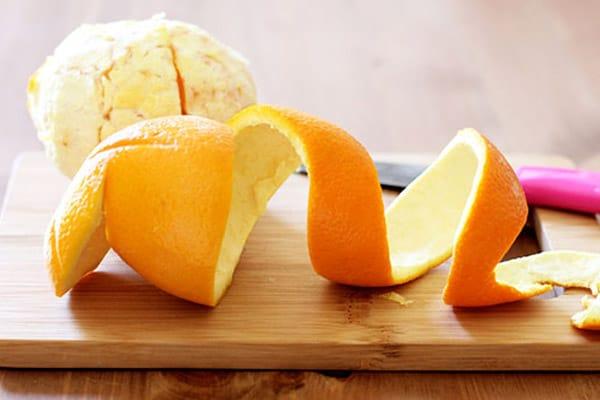 Tận dụng vỏ cam để trị thâm vùng kín