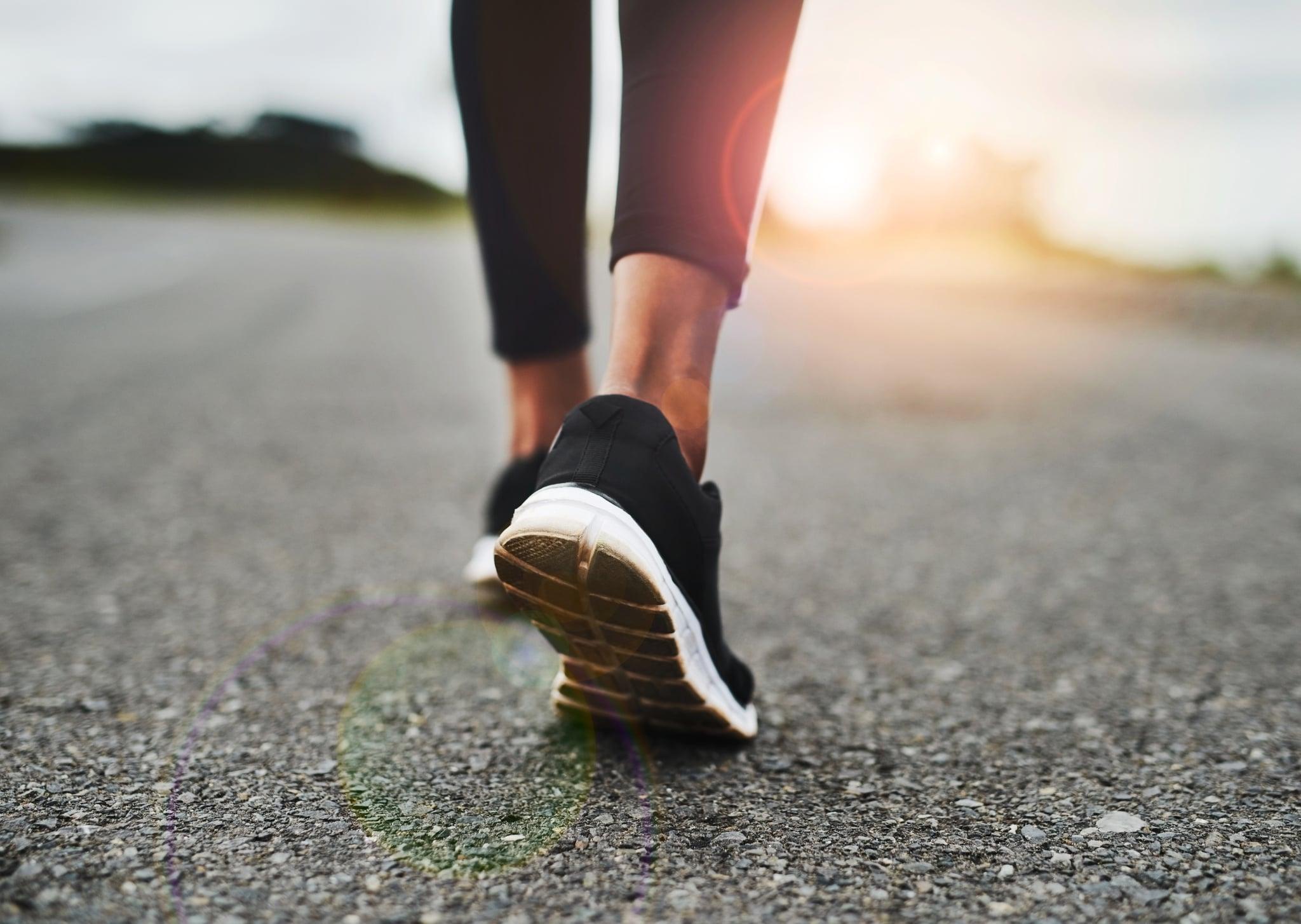 Đi bộ giúp cơ thể dẻo dai, tiêu hao năng lượng