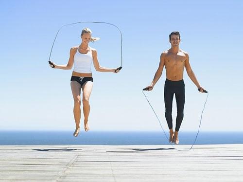 Nhảy dây giảm mỡ đùi bắp tay bắp chân hiệu quả