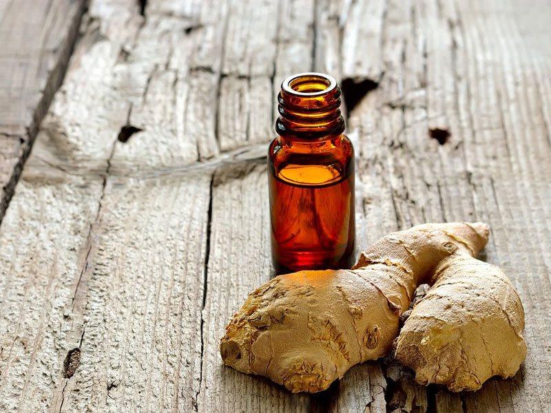 Sử dụng dầu gừng để massage bụng mang lại hiệu quả rất tốt