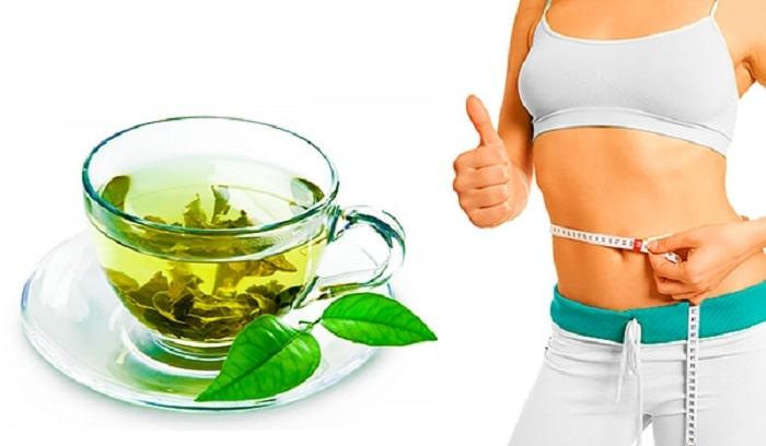 Uống trà xanh cũng là phương pháp giảm mỡ bụng tự nhiên rất được ưa chuộng
