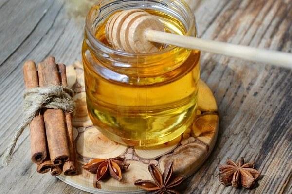Mật ong có tác dụng rất tốt trong việc giảm mỡ bụng tại nhà