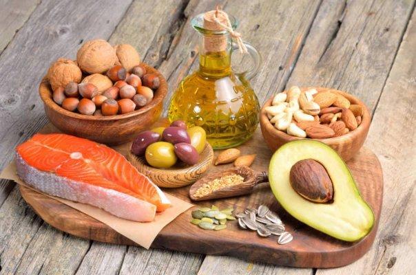 Cần xem xét để giảm lượng tiêu thụ chất béo bão hoà
