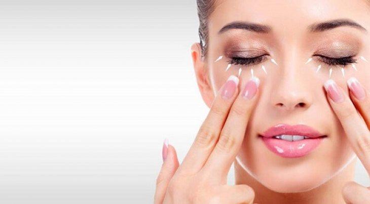Massage da mặt để giảm các nếp nhăn