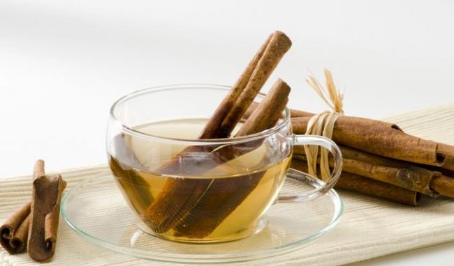 Nên uống trà quế vào thời điểm nào trong ngày