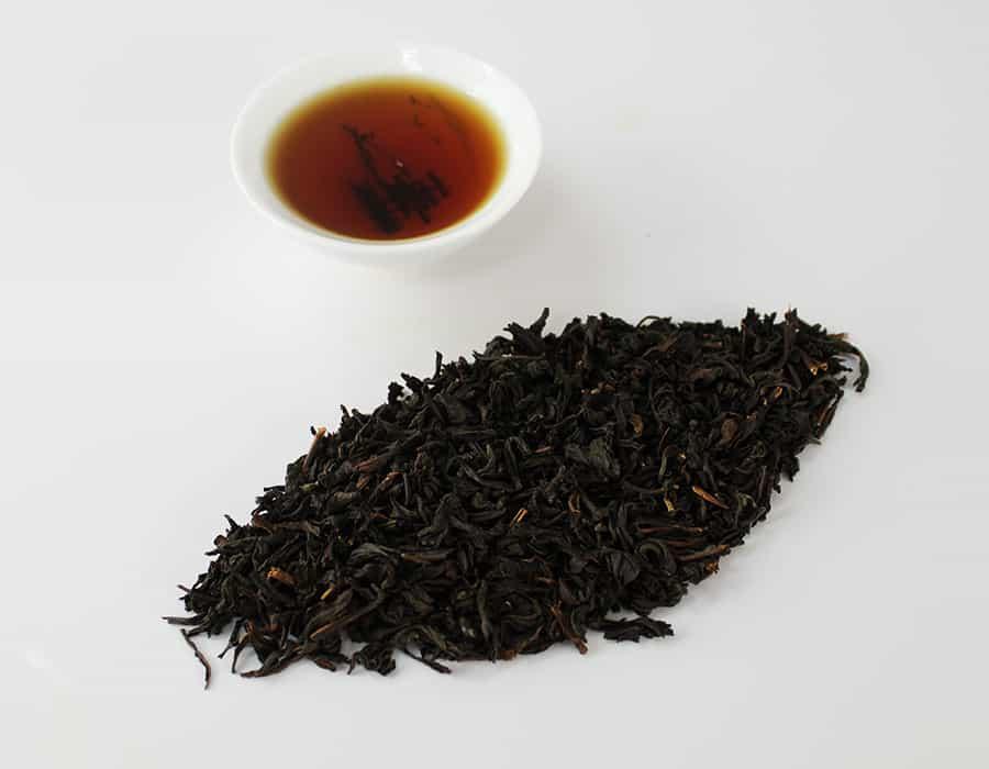 Trị rạn da bằng trà đen cũng là phương pháp phổ biến được nhiều người áp dụng