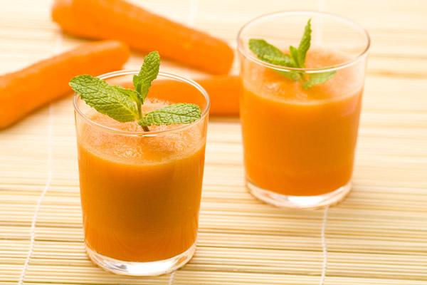 Sinh tố giảm mỡ bụng từ cà rốt và chanh