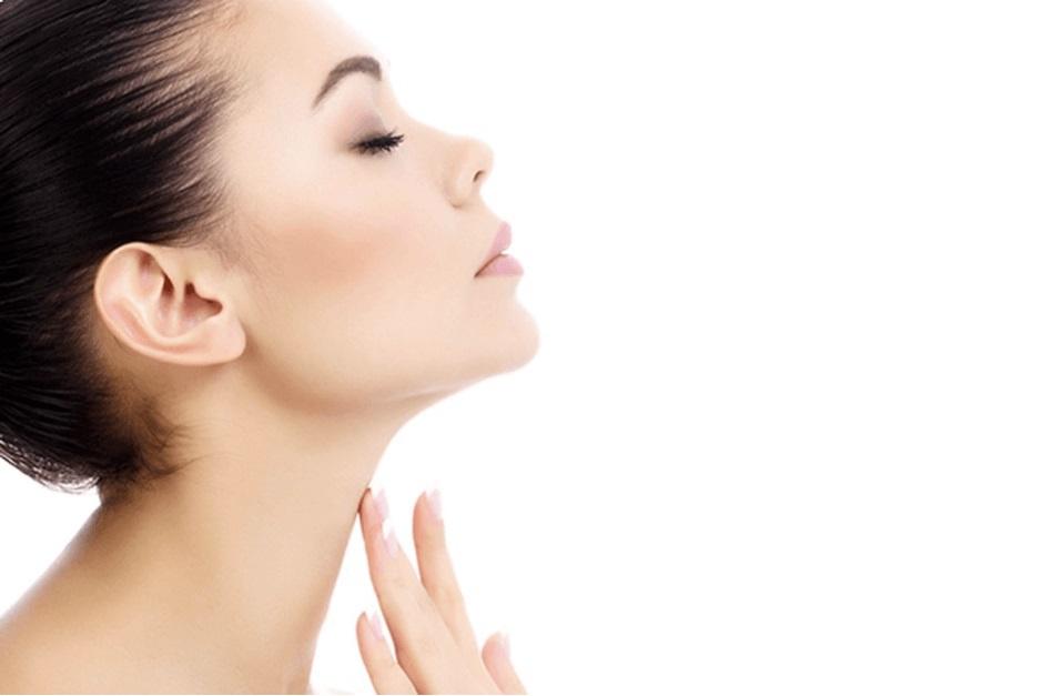 Gò má cao được cho là hốc hác, khắc khổ và khó gây thiện cảm hơn gương mặt bầu bĩnh