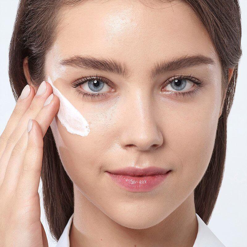 Thoa kem trị mụn dành riêng cho da mụn giúp làm sạch hiệu quả