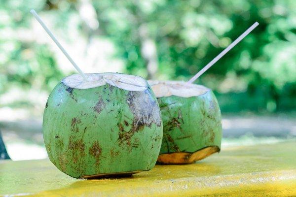 Thức uống giảm mỡ bụng - nước dừa