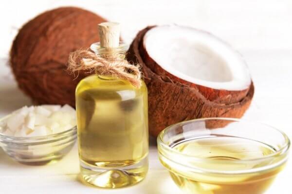 Dầu dừa nguyên chất thúc đẩy sản xuất collagen
