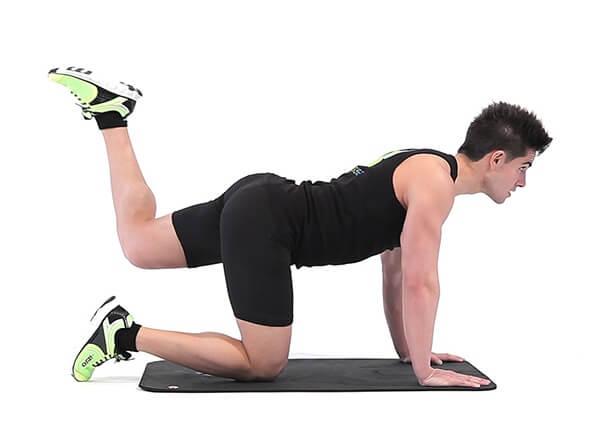 Glute Kickback giúp mông căng tròn tự nhiên