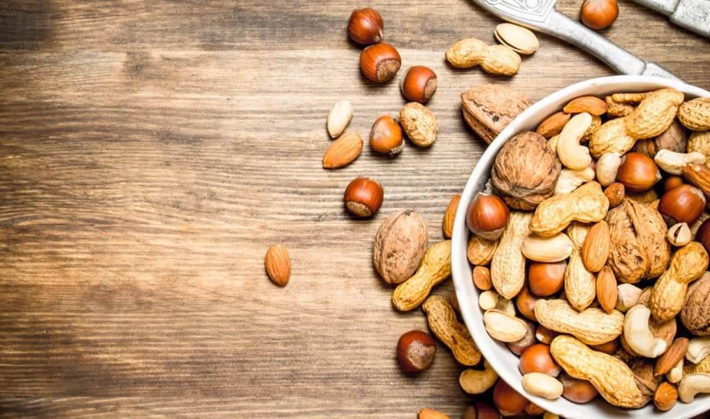 Các loại hạt giàu vitamin E giúp dưỡng ẩm vùng kín