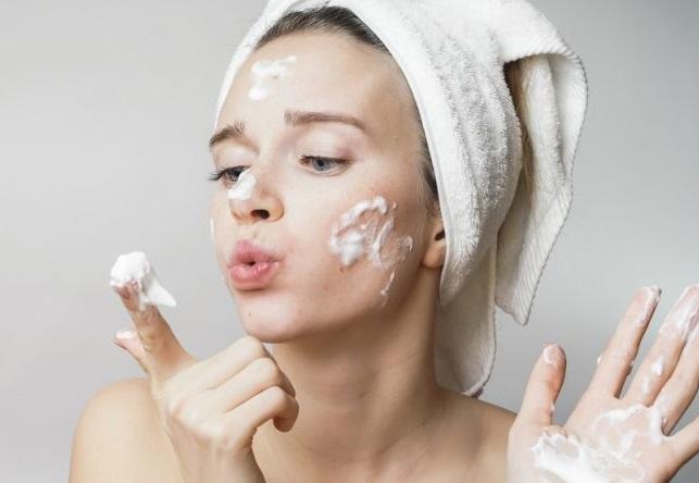 Làm sạch da với sữa giúp da sạch gấp đôi và tiết kiệm chi phí