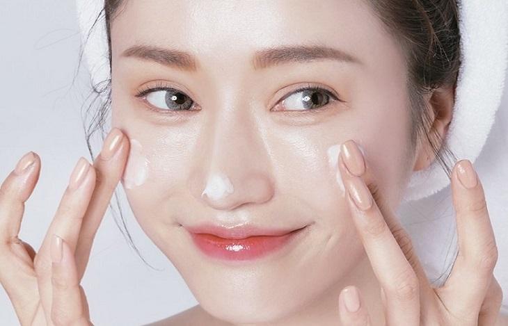 Kem ngày hay kem đêm đều có tác dụng dưỡng ẩm cho làn da.
