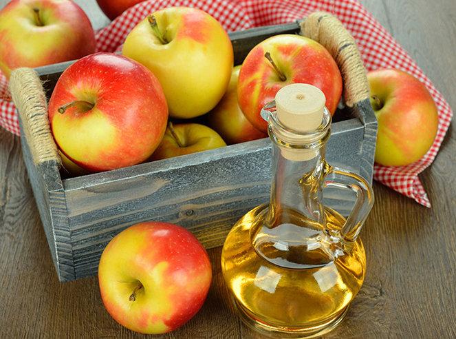 Sử dụng dấm táo để làm trắng da và điều trị các vết đồi mồi