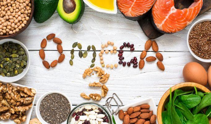Các chất béo từ thực phẩm: bơ, cá, quả óc chó, dầu dừa… đều rất tốt cho cơ thể.
