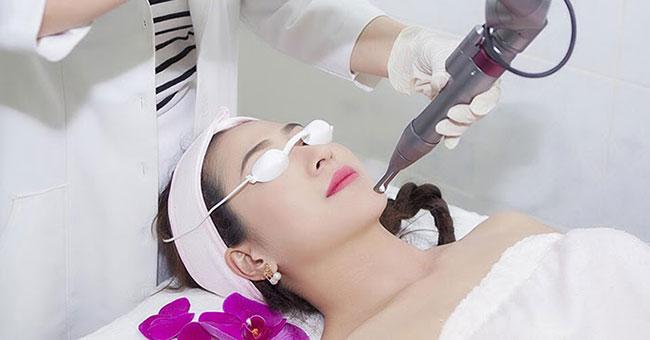 Phải chăm sóc da sau khi điều trị laser