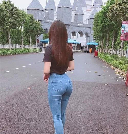 Phụ nữ mông cong rất quyến rũ