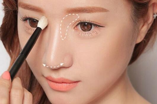Sống mũi cao luôn là mơ ước của nhiều cô gái vì không chỉ tạo khuôn mặt thanh tú mà còn liên quan tới hậu vận tốt đẹp