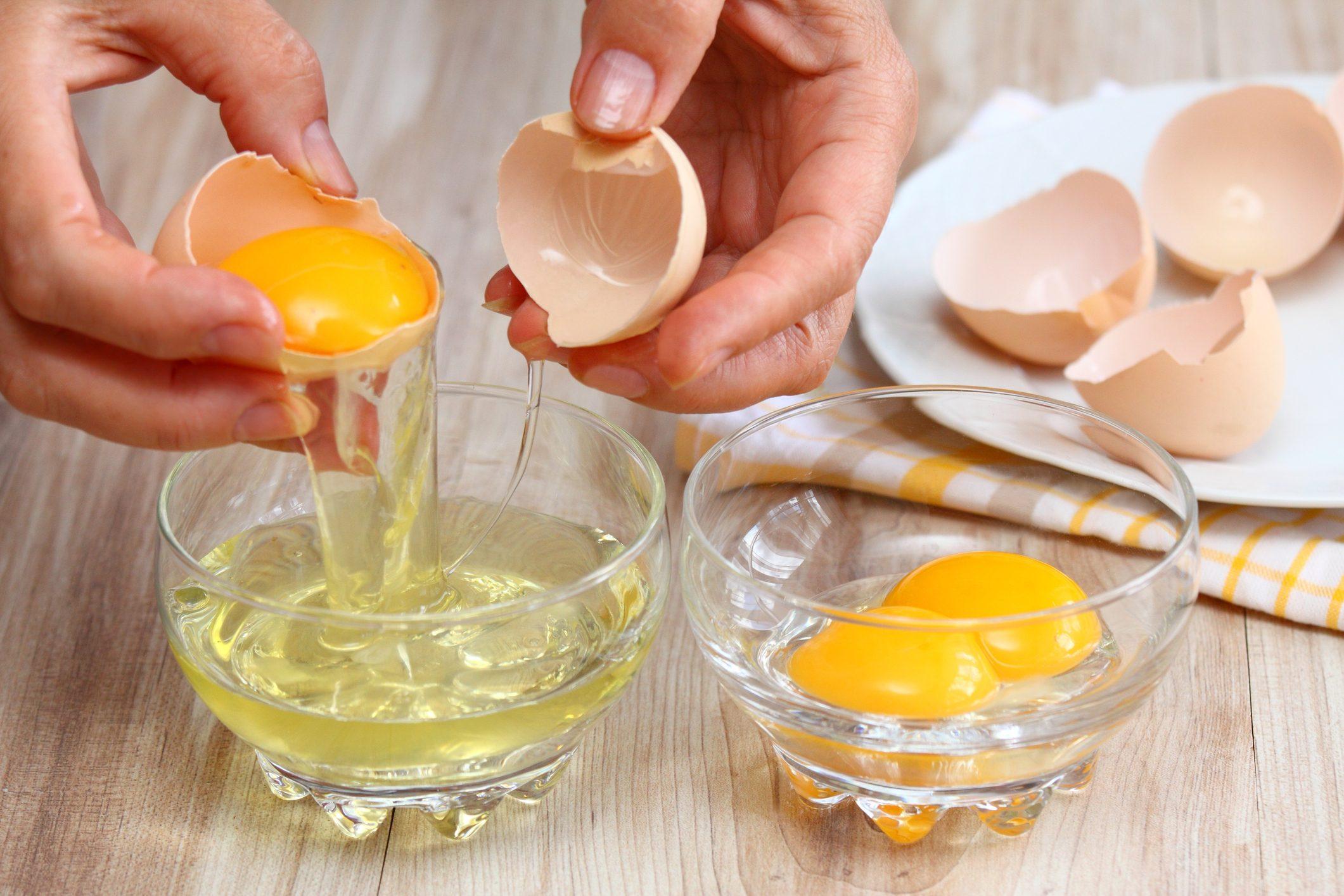 Lòng trắng trứng giúp trị rạn da sau sinh