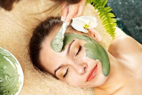 Mặt nạ giúp làn da được cấp ẩm tối đa.