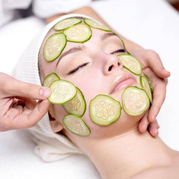 Mặt nạ từ nguyên liệu trong bếp là cách đơn giản để chăm sóc da mặt cho mẹ bầu