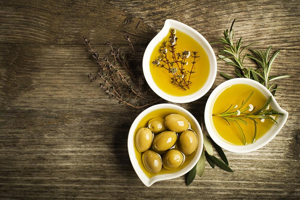 Dầu oliu được mệnh danh là nguyên liệu làm đẹp nổi tiếng