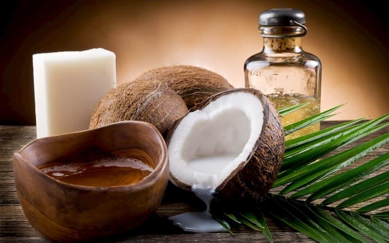 Vitamin E có trong dầu dừa, dầu oliu,.. giúp mờ rạn hiệu quả